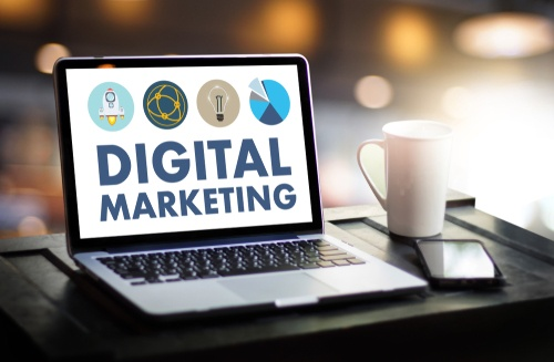 digital marketing pic laptop